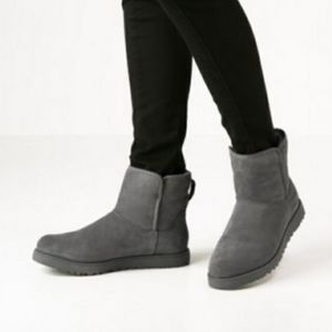 UGG Cory gray suede sheepskin lined low boots